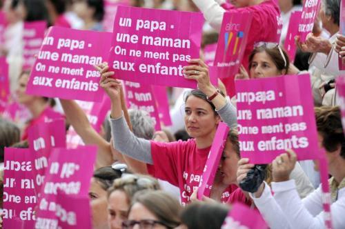 Manifestation en France pour le maintient légal du mariage traditionnel